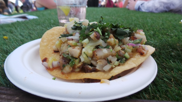 Tostada de Cerdo, pork taco, Mamasita